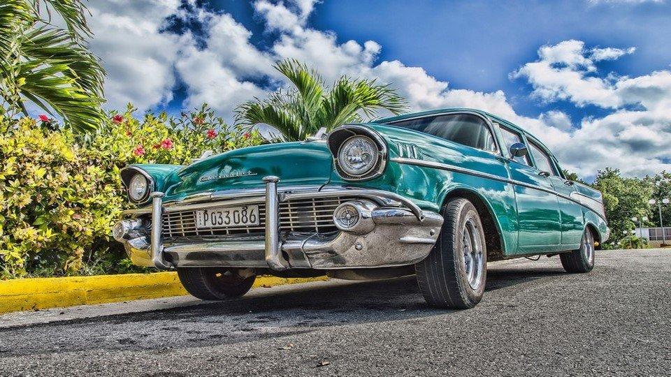 Efsane Turkuaz Chevrolet Kanvas Tablo