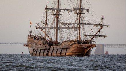 Ahşap Yelkenli Gemi Duvar Kağıdı