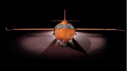 Turuncu Uçak Duvar Kağıdı