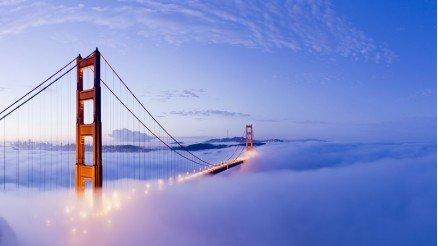 Golden Gate Köprüsü Bulutların Arasında Duvar Kağıdı