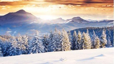 Karlı Dağlar Ardından Doğan Güneş Duvar Kağıdı